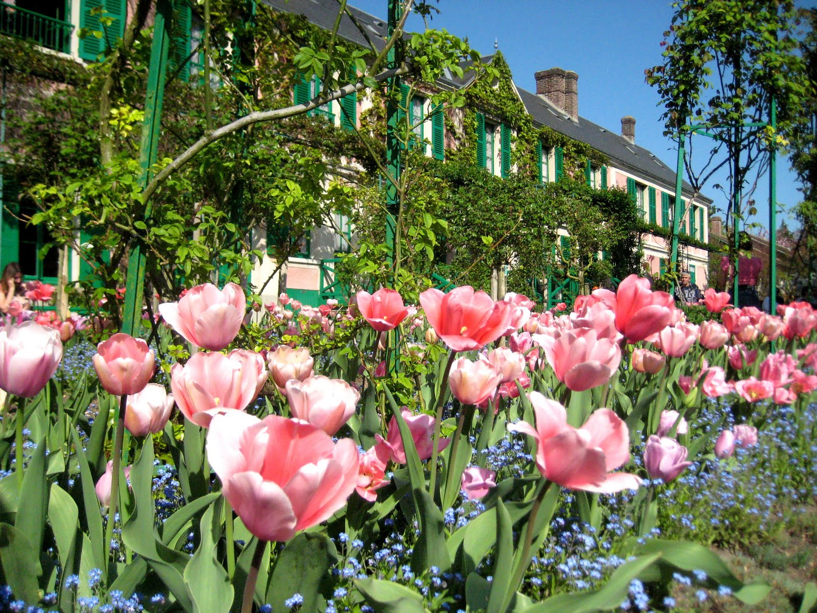 Monet s house in giverny glimpse creations for Jardines preciosos casa