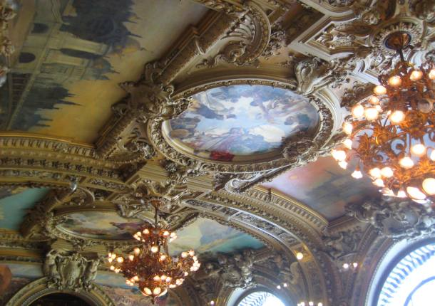 Ceiling in Le Train Bleu